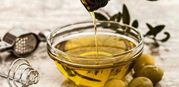 Advantages and disadvantages olive oil for curly hair